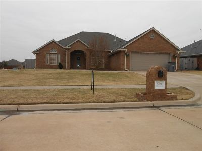 Lawton Single Family Home For Sale: 5302 SW Inwood Cir