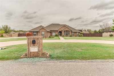 Lawton Single Family Home For Sale: 5 NW Shadow Lake Rd