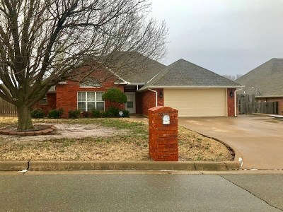 Lawton Single Family Home Under Contract: 2304 NW 73rd St