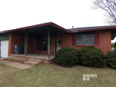 Lawton Single Family Home For Sale: 15 NW 40th St