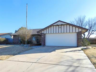Lawton Single Family Home For Sale: 6924 SW Beta Ave