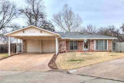 Lawton Single Family Home For Sale: 7122 NW Woodland Pl