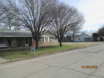 Cotton County Single Family Home For Sale: 201 E Washington St