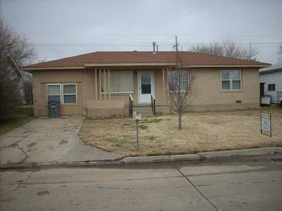 Comanche County Single Family Home For Sale: 2131 NW Ozmun Ave