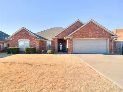 Lawton Single Family Home For Sale: 2223 SW 54th St