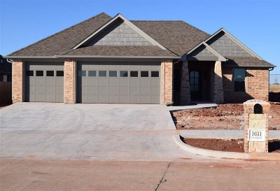 Lawton Single Family Home For Sale: 1631 NW Leona Cir