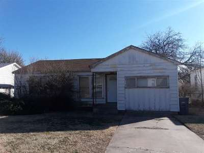Lawton Single Family Home Under Contract: 1812 NW Pollard Ave