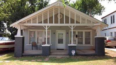 Lawton Single Family Home For Sale: 904 NW Arlington Ave