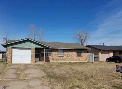 Lawton Single Family Home For Sale: 4203 SW Summit Ave