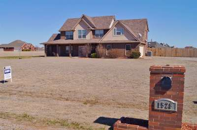 Single Family Home Sold: 1528 SW Deyo Landing Loop