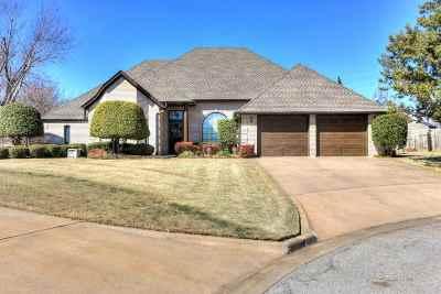 Lawton Single Family Home For Sale: 2812 NE Shelter Creek Dr