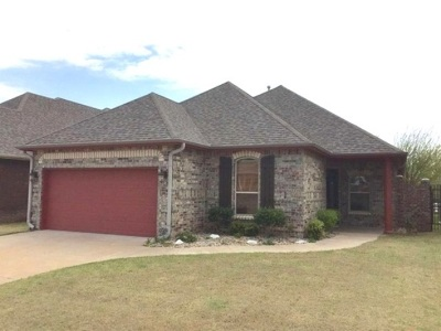 Lawton Single Family Home For Sale: 6910 NW Maple Dr