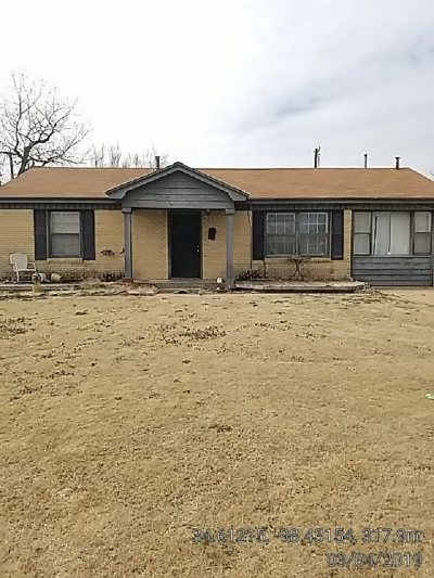 Lawton Single Family Home For Sale: 204 NW 31st St