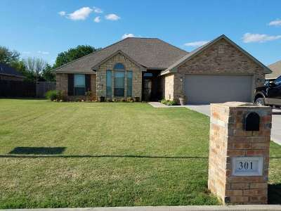 Cache Single Family Home For Sale: 301 NW Creekside Dr