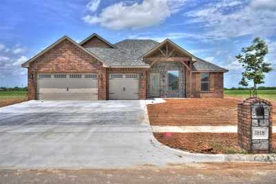 Lawton Single Family Home For Sale: 3918 NE Realtree