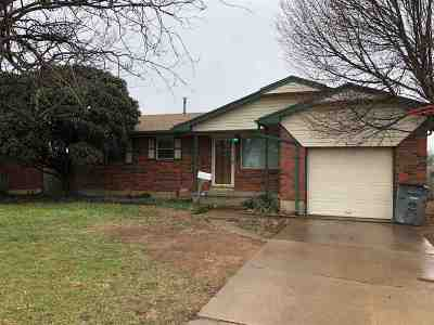 Lawton Single Family Home For Sale: 5852 NW Dearborn Ave