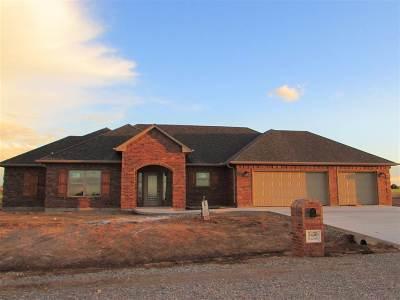 Elgin Single Family Home For Sale: 5450 NE Elk Point