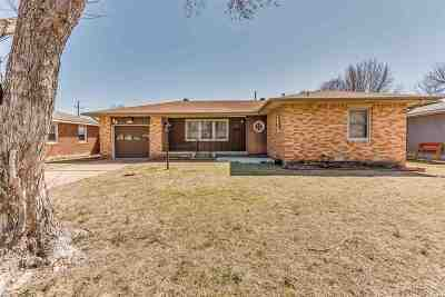 Lawton Single Family Home For Sale: 34 SW 49th St