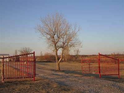 Elgin Single Family Home For Sale: 11764 NE Cline Rd