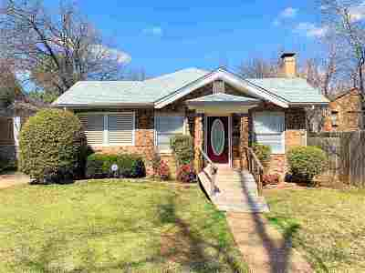 Lawton Single Family Home For Sale: 605 NW Columbia Ave