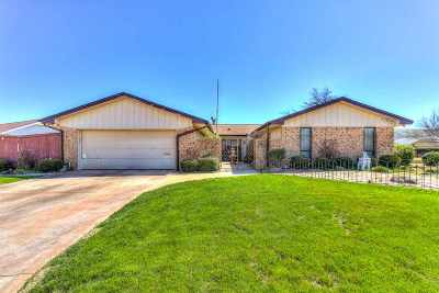 Lawton Single Family Home For Sale: 7216 NW Eisenhower Dr