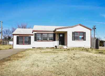 Lawton Single Family Home For Sale: 2507 SW E Ave