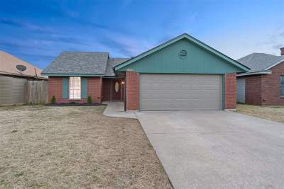 Lawton Single Family Home For Sale: 4006 SW Mesquite Dr