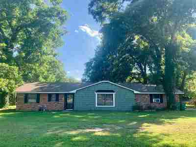 Cache Single Family Home For Sale: 1 Briarwood Cir