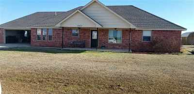 Caddo County Single Family Home For Sale: 14021 CR 1484