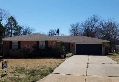 Lawton Single Family Home For Sale: 308 NW Parkwood Place