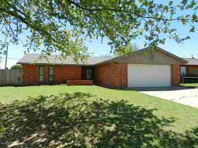 Lawton Single Family Home For Sale: 5005 SE Kincaid Ave
