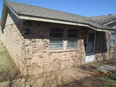 Lawton Single Family Home For Sale: 7924 NW Crossland Cir