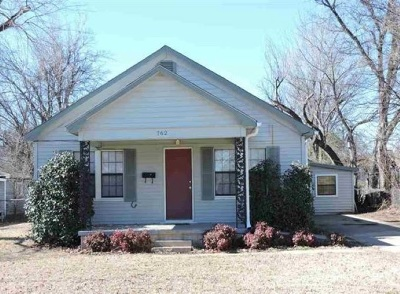 Lawton Single Family Home For Sale: 762 NW 16th St