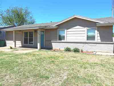Tillman County Single Family Home For Sale: 615 E Highview