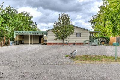 Comanche County Single Family Home For Sale: 157 NE Ellsworth Dr