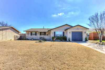 Lawton Single Family Home For Sale: 5332 NW Ash Ave