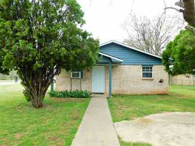 Lawton Single Family Home For Sale: 1229 SW Oklahoma Ave