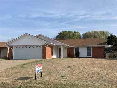 Lawton Single Family Home For Sale: 807 SE Lomond Ln