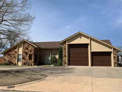 Lawton Single Family Home For Sale: 304 NW Ridgeview Way