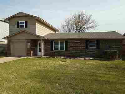 Lawton Single Family Home Under Contract: 156 SW 69th St
