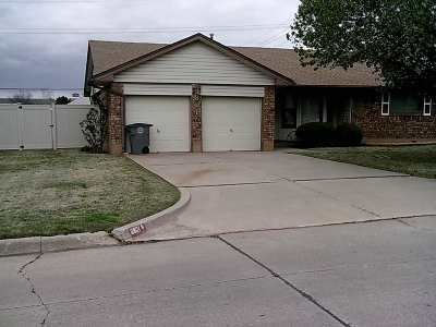Lawton Single Family Home For Sale: 3801 NW Meadowbrook Dr