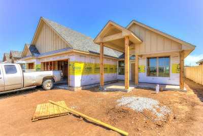 Lawton Single Family Home For Sale: 905 NE Scissortail Dr