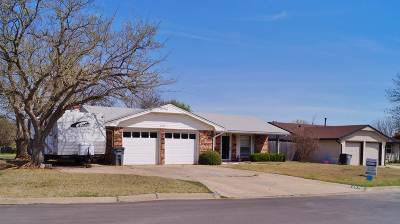 Single Family Home Sold: 6207 NW Cheyenne Dr