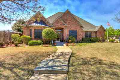 Lawton Single Family Home Under Contract: 616 NW Allison Ln