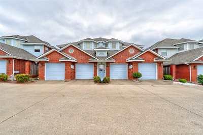Lawton Single Family Home For Sale: 505 NW Fairway Villas Pl #4