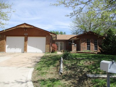 Lawton Single Family Home For Sale: 407 NW 74th St