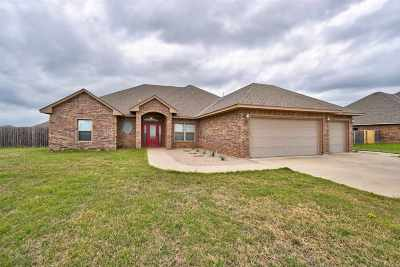 Lawton Single Family Home For Sale: 8326 SW Sun Valley Dr