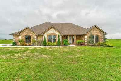 Lawton Single Family Home For Sale: 1018 NW Gray Hawk Dr