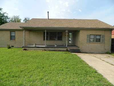 Lawton Single Family Home For Sale: 2110 NW Ferris Ave
