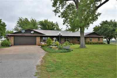 Elgin Single Family Home For Sale: 12468 NE Carlson Rd